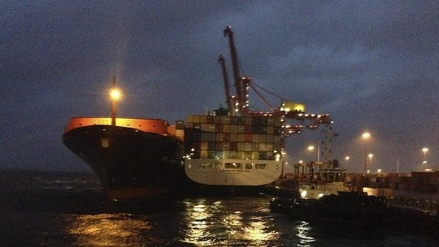 Ship operations stop at Port Botany